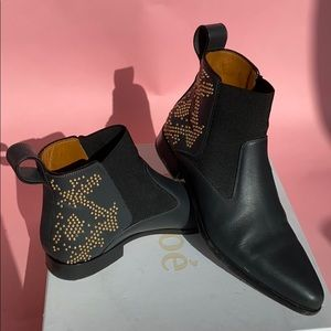 Chloe Ankle Black Boots